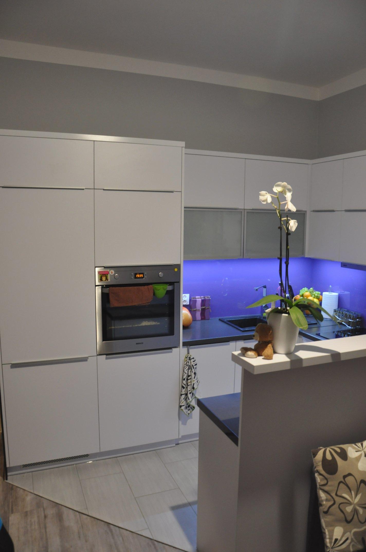 Giorgio&Mariani  meble na wymiar  Biało szara kuchnia -> Kuchnia Czarno Siwa